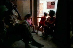 Cuba2001FamilyInsideA_Web_800px.jpg