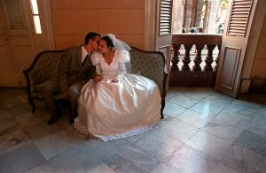Wedding-couple-cheek-kiss_Web_800px.jpg